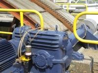 Smarownice MEMOLUB MEGA, każda z blokiem dystrybucyjnym DB-8 smarują łożyska silników elektrycznych i system prowadzenia koła wodnego